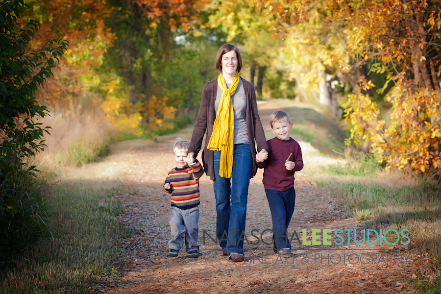 Aspen Family Photography by  Natascha Lee Studios Mommy Love Web Gallery-2-4  - logo