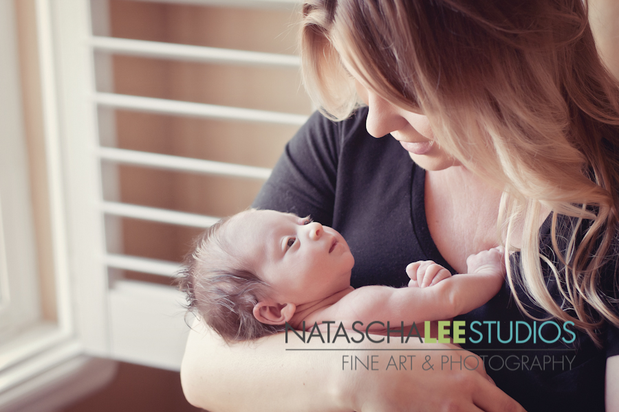 Golden Newborn Baby Photographer - Natascha Lee Studios Mommy Love Web Gallery-0905  - logo