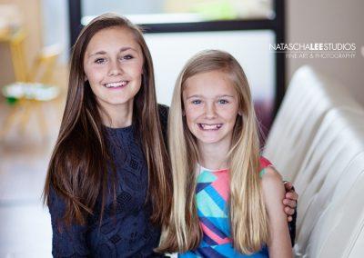 IMG-model-sisters-eal-sfw